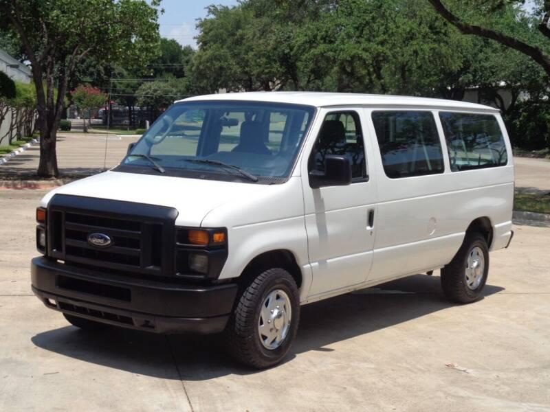2010 Ford E-Series Wagon for sale at Auto Starlight in Dallas TX