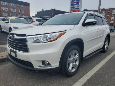 2016 Toyota Highlander for sale at OFIER AUTO SALES in Freeport NY