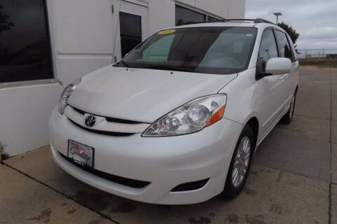 2009 Toyota Sienna for sale at HILAND TOYOTA in Moline IL