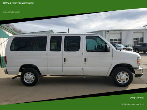 2011 Ford E-Series Wagon for sale at TOWN & COUNTRY MOTORS INC in Meriden KS