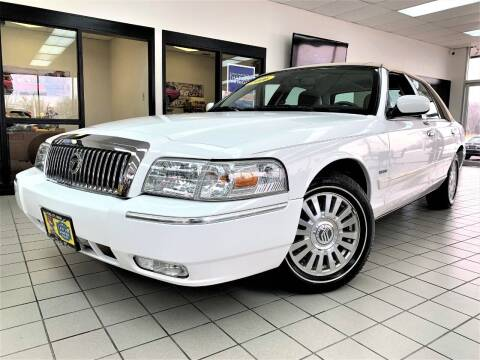2006 Mercury Grand Marquis for sale at SAINT CHARLES MOTORCARS in Saint Charles IL