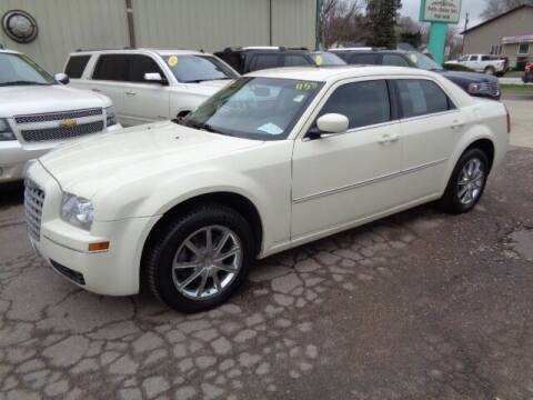 2009 Chrysler 300 for sale at De Anda Auto Sales in Storm Lake IA