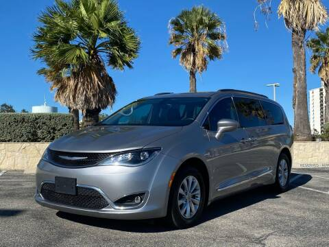 2017 Chrysler Pacifica for sale at Motorcars Group Management - Bud Johnson Motor Co in San Antonio TX