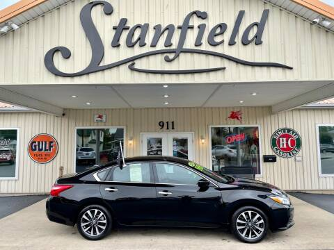 2017 Nissan Altima for sale at Stanfield Auto Sales in Greenfield IN