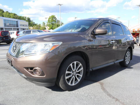 2016 Nissan Pathfinder for sale at RUSTY WALLACE KIA OF KNOXVILLE in Knoxville TN