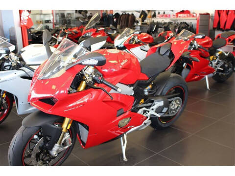 2018 Ducati Panigale V4S Red for sale at Peninsula Motor Vehicle Group in Oakville Ontario NY