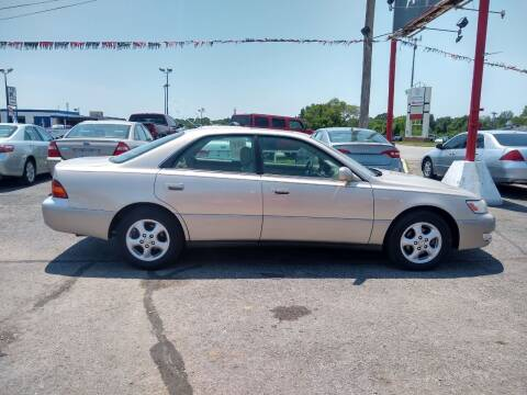 1998 Lexus ES 300 for sale at Savior Auto in Independence MO