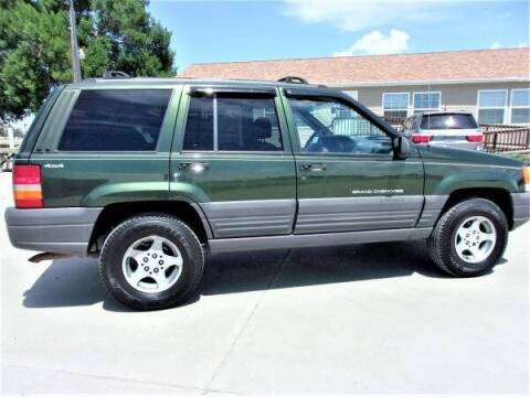1997 Jeep Grand Cherokee for sale at Central City Auto West in Lewistown MT