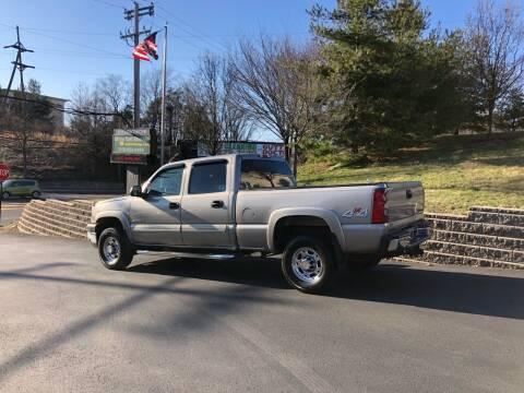 2003 Chevrolet Silverado 2500HD for sale at 4 Below Auto Sales in Willow Grove PA