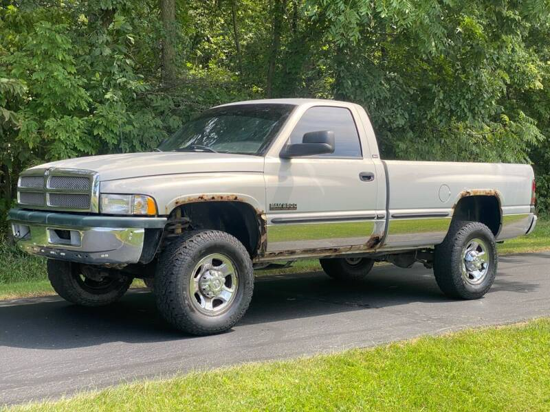 1998 Dodge Ram Pickup 2500 for sale at CMC AUTOMOTIVE in Roann IN