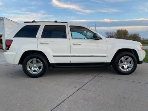 2005 Jeep Grand Cherokee for sale at QUAD CITIES AUTO SALES in Milan IL