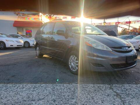 2006 Toyota Sienna for sale at Metro Auto Exchange 2 in Linden NJ