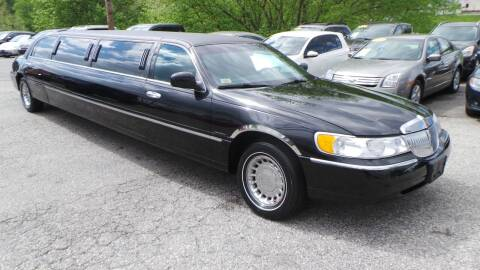 2000 Lincoln Town Car for sale at Unlimited Auto Sales in Upper Marlboro MD