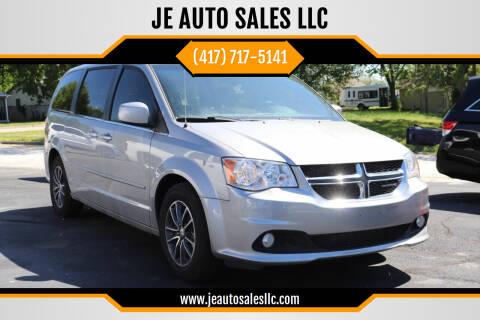 2017 Dodge Grand Caravan for sale at JE AUTO SALES LLC in Webb City MO