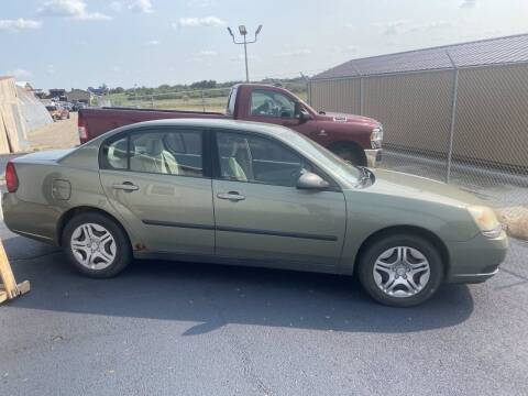 2005 Chevrolet Malibu for sale at B & B Auto Sales in Brookings SD