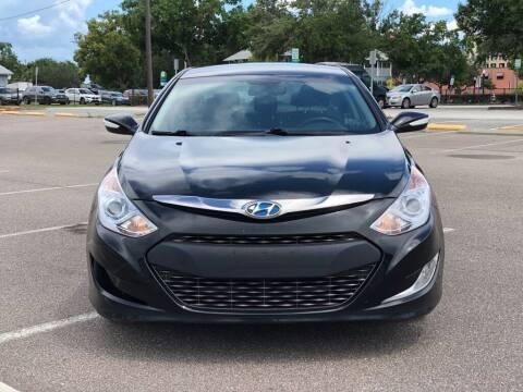 2014 Hyundai Sonata Hybrid for sale at Carlando in Lakeland FL