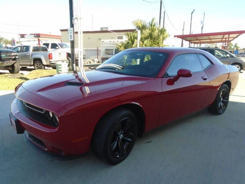 2017 Dodge Challenger SXT 2dr Coupe - Houston TX