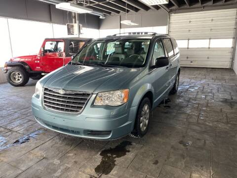 2009 Chrysler Town and Country for sale at Newark Rides in Newark IL