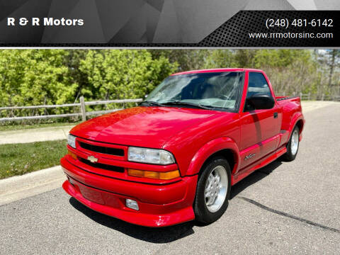 2000 Chevrolet S-10 for sale at R & R Motors in Waterford MI