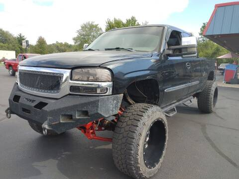 2005 GMC Sierra 1500 for sale at Cruisin' Auto Sales in Madison IN