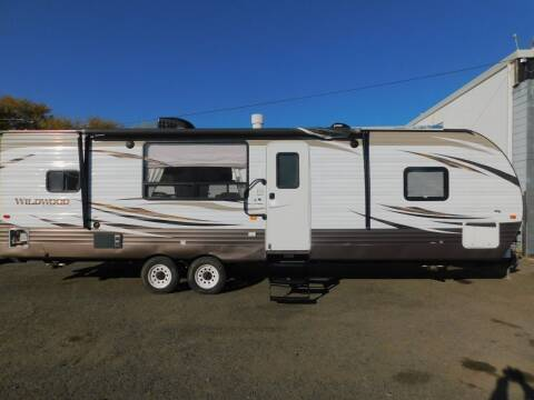 2017 Forest River WILDWOOD 27RKSS for sale at Gold Country RV in Auburn CA