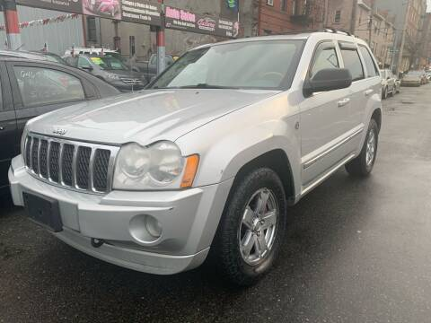2007 Jeep Grand Cherokee for sale at Gallery Auto Sales in Bronx NY