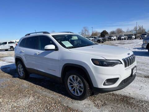 2019 Jeep Cherokee for sale at BERKENKOTTER MOTORS in Brighton CO