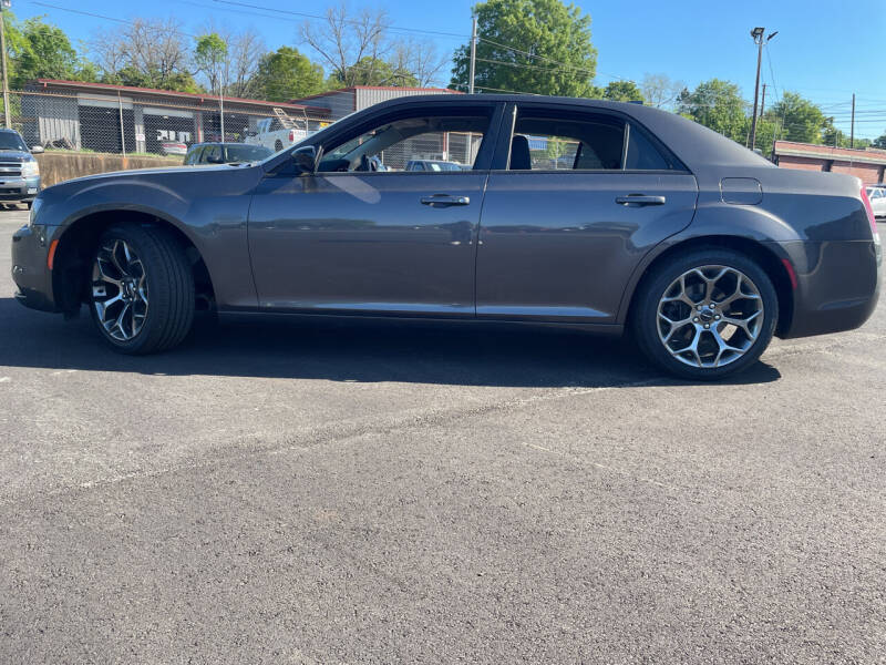 2018 Chrysler 300 for sale at Beckham's Used Cars in Milledgeville GA