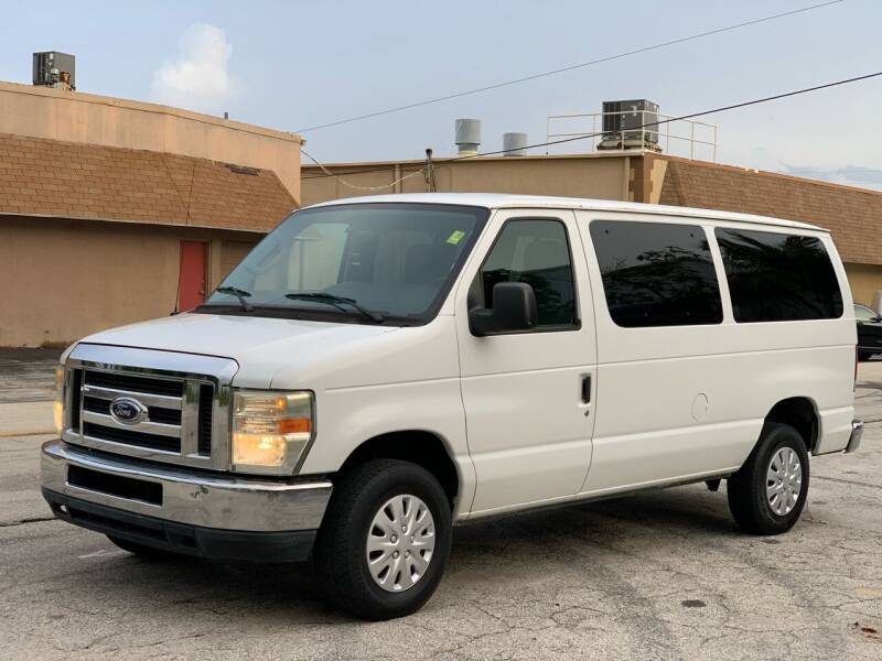 2009 Ford E-Series Wagon for sale at Citywide Auto Group LLC in Pompano Beach FL