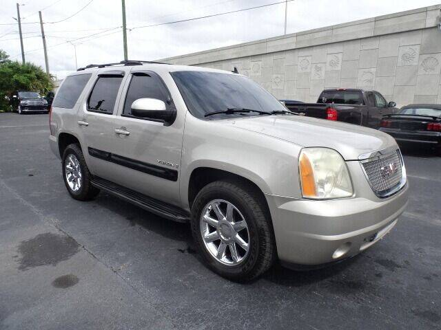 2007 GMC Yukon for sale at DONNY MILLS AUTO SALES in Largo FL