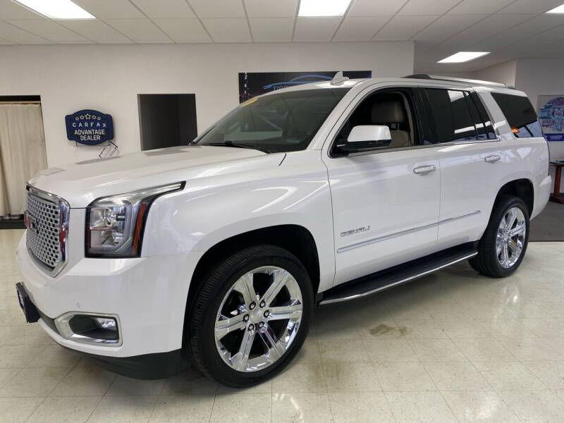 2017 GMC Yukon for sale at Used Car Outlet in Bloomington IL