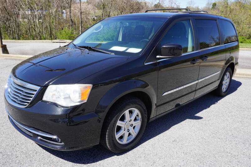 2012 Chrysler Town and Country for sale at Modern Motors - Thomasville INC in Thomasville NC