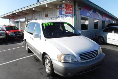 2002 Kia Sedona for sale at 777 Auto Sales and Service in Tacoma WA