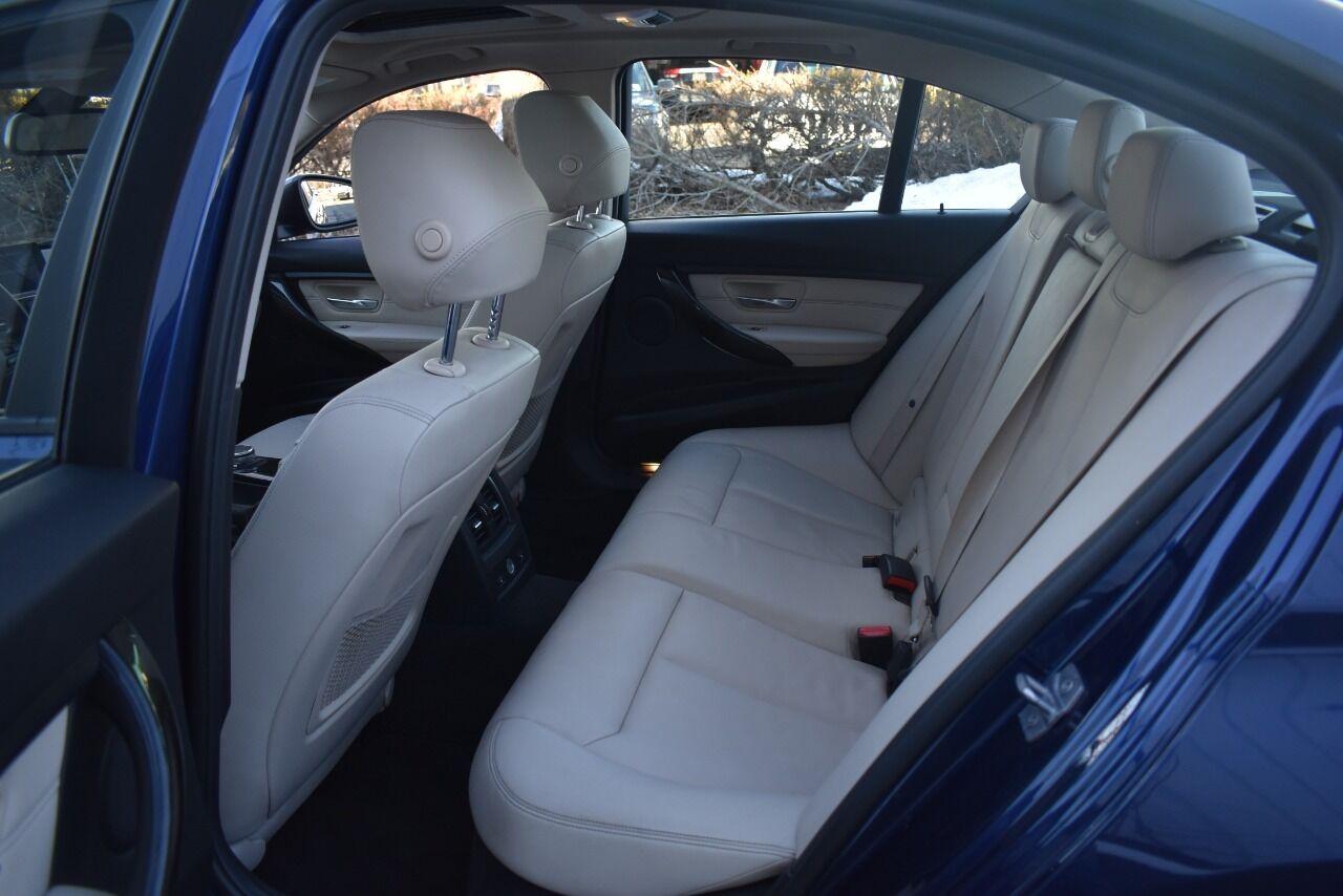 2016 BMW 3 Series 320i xDrive AWD 4dr Sedan full