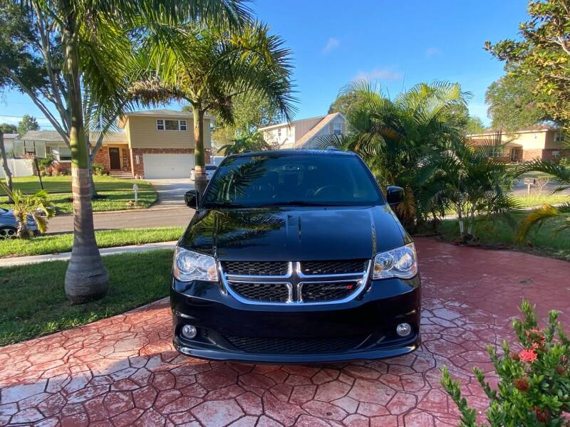 2017 Dodge Grand Caravan for sale at ONYX AUTOMOTIVE, LLC in Largo FL