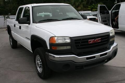 2005 GMC Sierra 2500HD for sale at Mike's Trucks & Cars in Port Orange FL