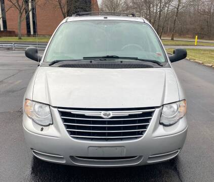2007 Chrysler Town and Country for sale at Select Auto Brokers in Webster NY