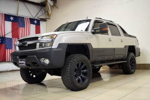 2004 Chevrolet Avalanche for sale at ROADSTERS AUTO in Houston TX