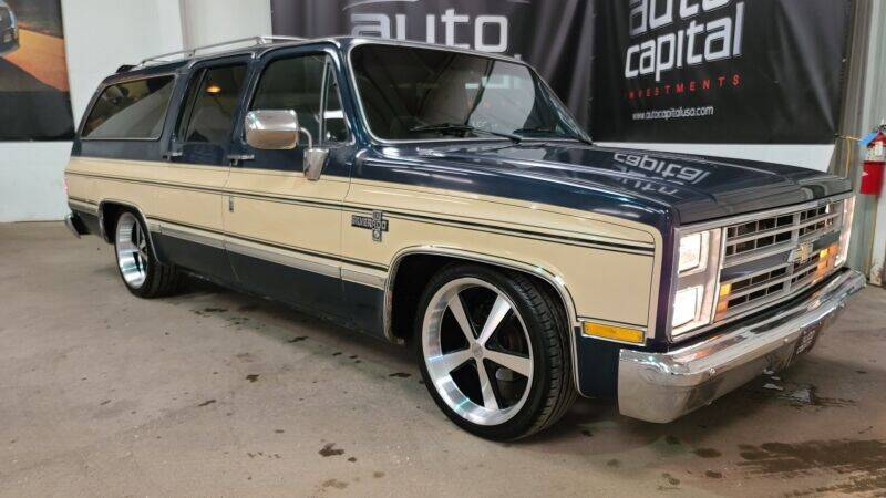 1986 Chevrolet Suburban for sale in Fort Worth, TX