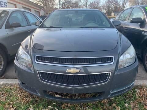 2009 Chevrolet Malibu for sale at ALVAREZ AUTO SALES in Des Moines IA