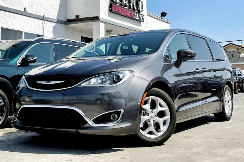 2018 Chrysler Pacifica for sale at Fastrack Auto Inc in Rosemead CA