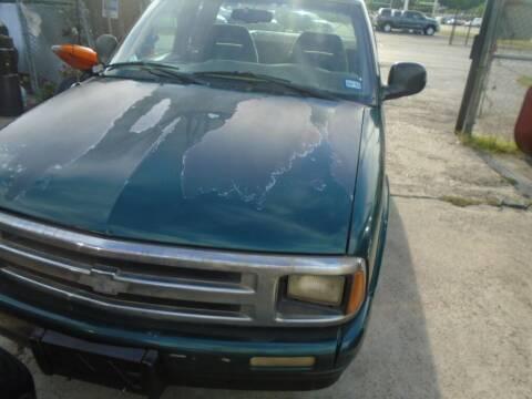 1996 Chevrolet S-10 for sale at SCOTT HARRISON MOTOR CO in Houston TX