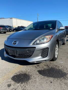 2013 Mazda MAZDA3 for sale at REGIONAL AUTO CENTER in Fredericksburg VA