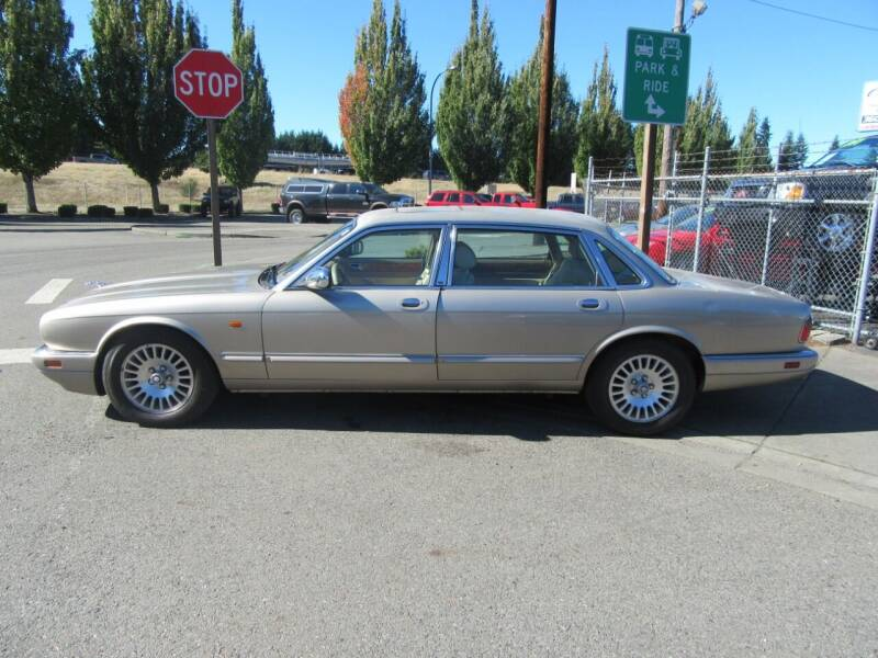 1996 Jaguar XJ-Series for sale at Car Link Auto Sales LLC in Marysville WA