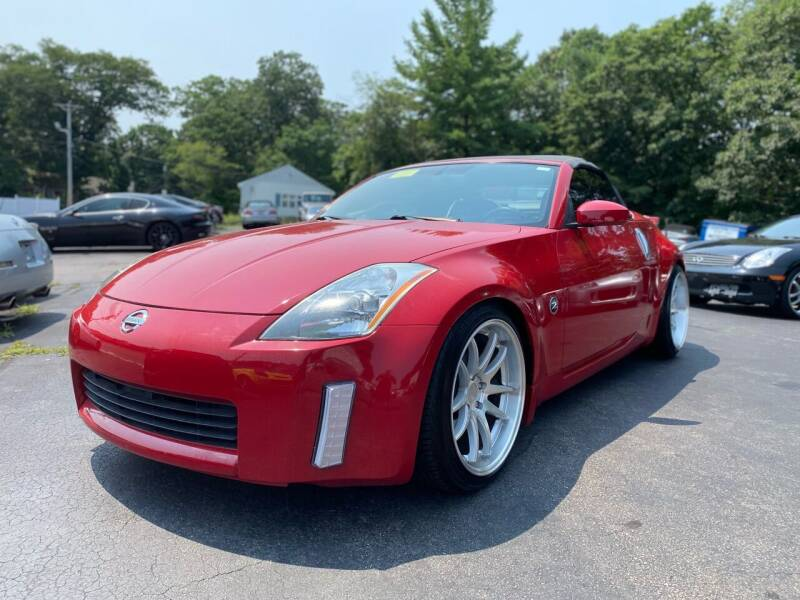 2004 Nissan 350Z for sale at SOUTH SHORE AUTO GALLERY, INC. in Abington MA