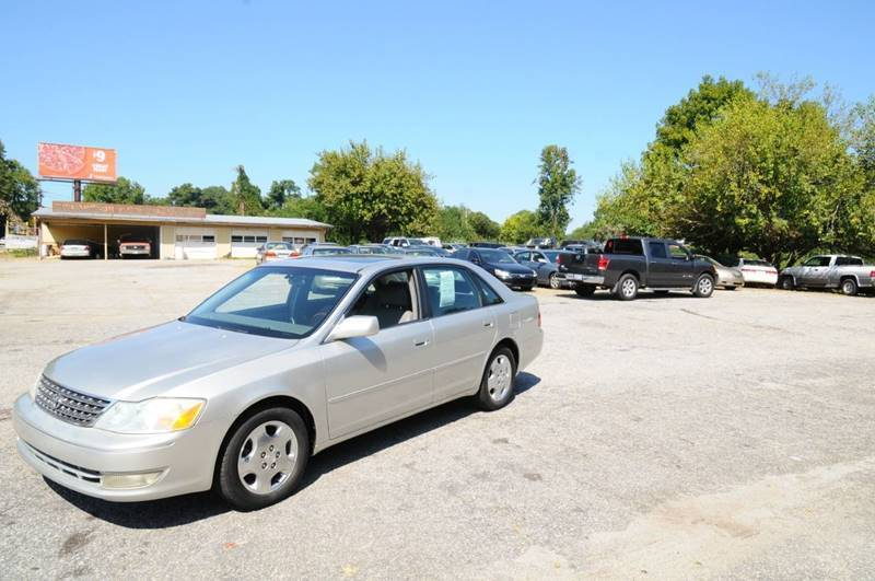 2004 Toyota Avalon for sale at RICHARDSON MOTORS USED CARS - Buy Here Pay Here in Anderson SC
