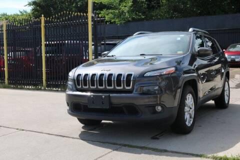 2016 Jeep Cherokee for sale at F & M AUTO SALES in Detroit MI