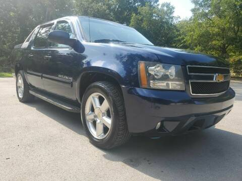 2010 Chevrolet Avalanche for sale at Thornhill Motor Company in Lake Worth TX