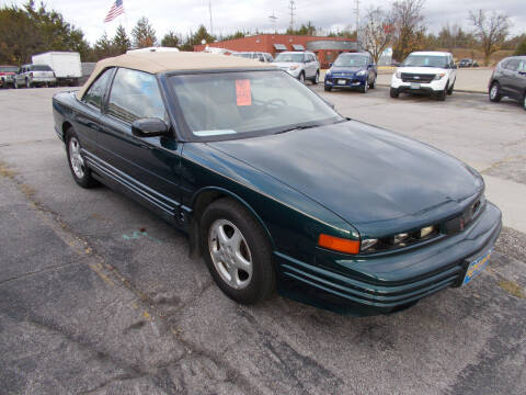 1995 Oldsmobile Cutlass Supreme for sale at Governor Motor Co in Jefferson City MO
