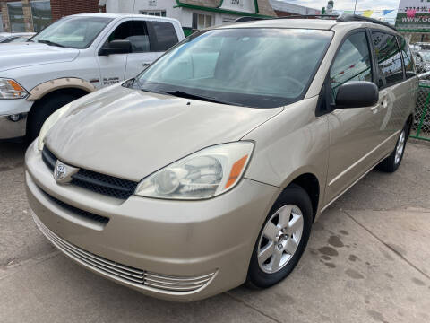 2005 Toyota Sienna for sale at GO GREEN MOTORS in Denver CO